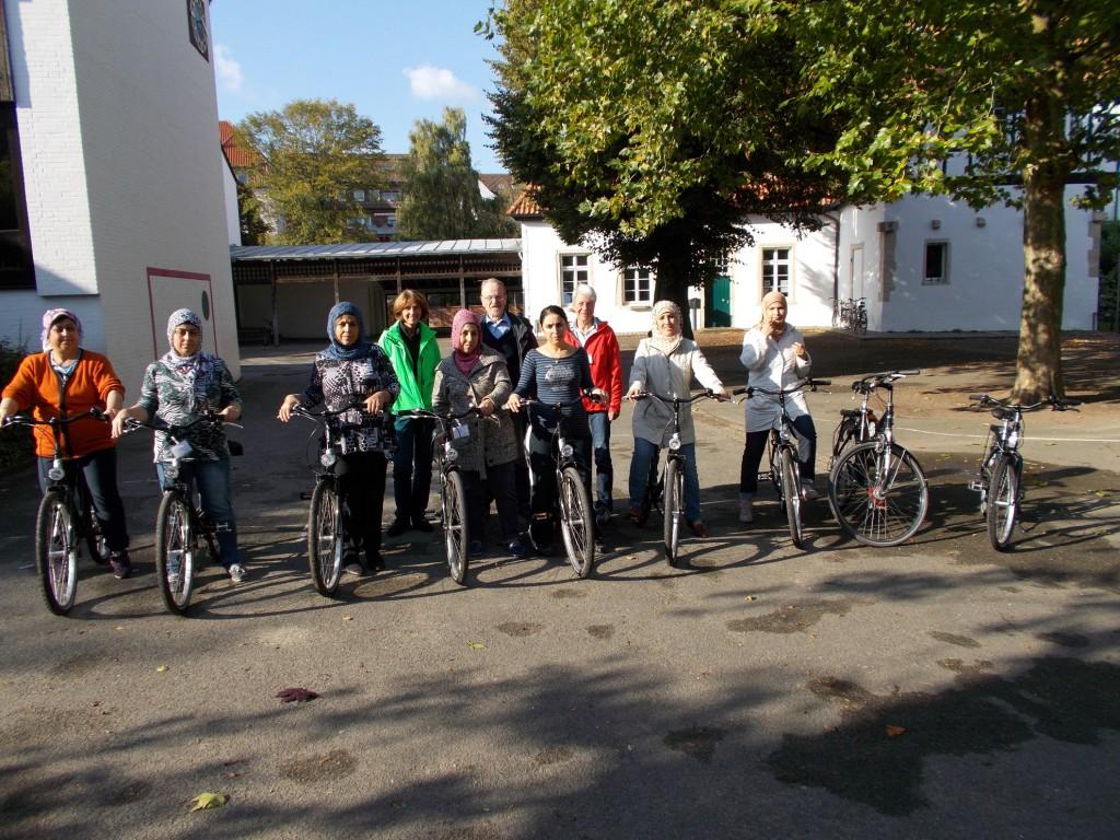 Fahrradkurs der Migrantinnen aus Kinderhaus, Bild 001