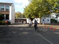 Fahrradkurs der Migrantinnen aus Kinderhaus, Bild 002